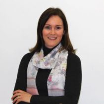 Daniela Cunha _ Administrativa